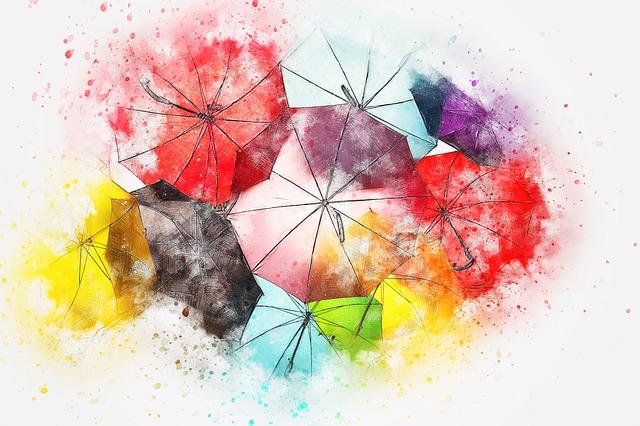 színes esernyők